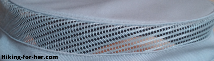 Mesh in hiking hat band for air flow
