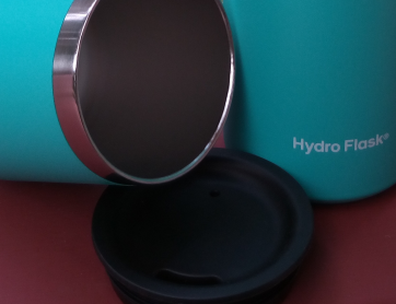 Hydroflask wine tumbler mouth with press in lid